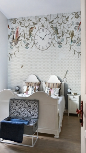 24H by Wall and Deco