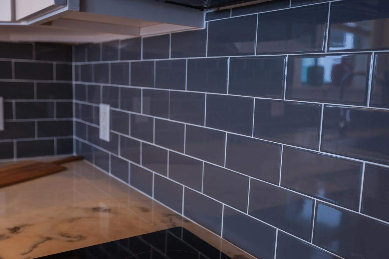 Buy Dark Grey Subway Tiles in Ireland at Tiles.ie -...