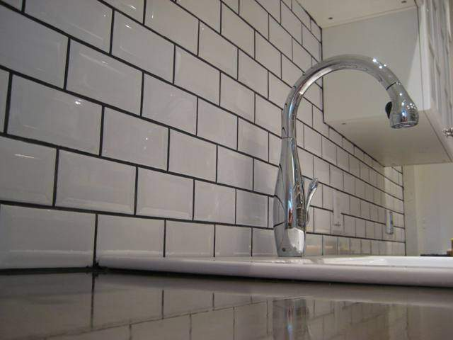 White Subway Tiles Dublin. Metro White Glossy Tiles from Italian Tile and Stone
